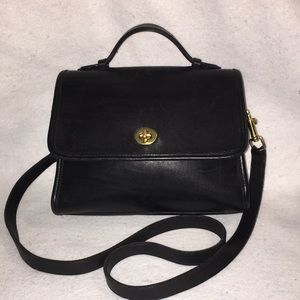 Vintage Coach Black Court Crossbody Purse 👜 9870